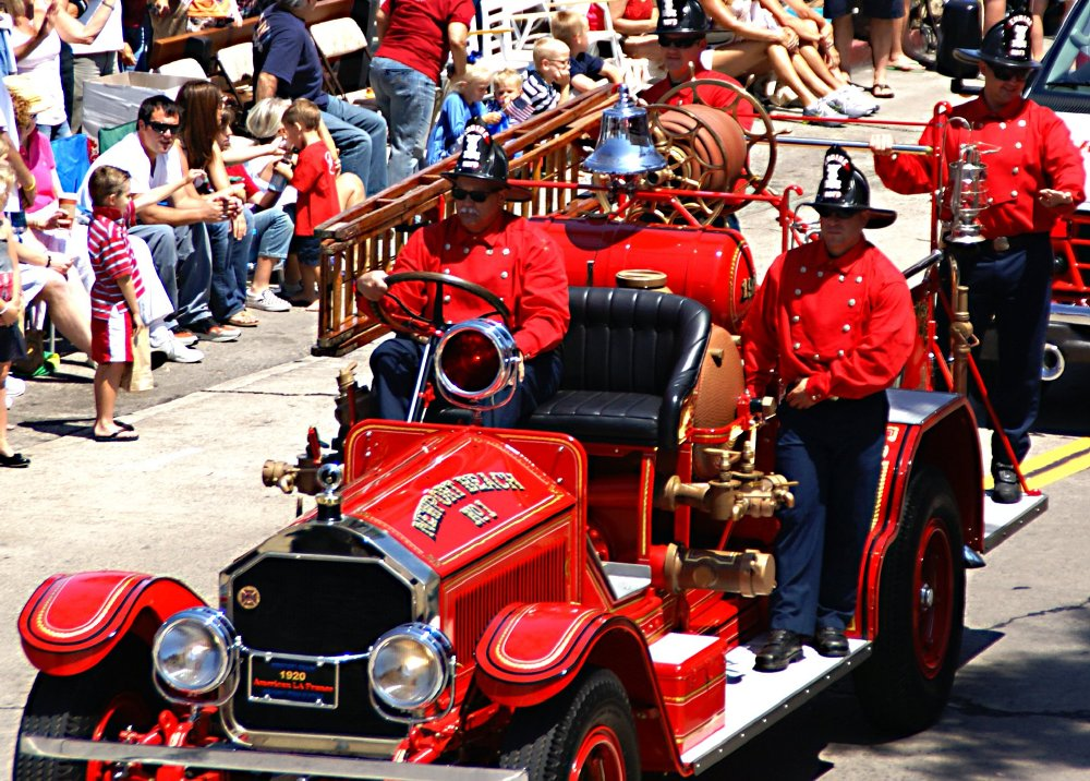 Larkspur Association Of Volunteer Fire Fighters, Marin Co.,CA 4 Helmets  With 8 Parade Shirts And Fronts,2 Parade Belts
